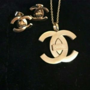 Chanel new stunning necklace and earrings set